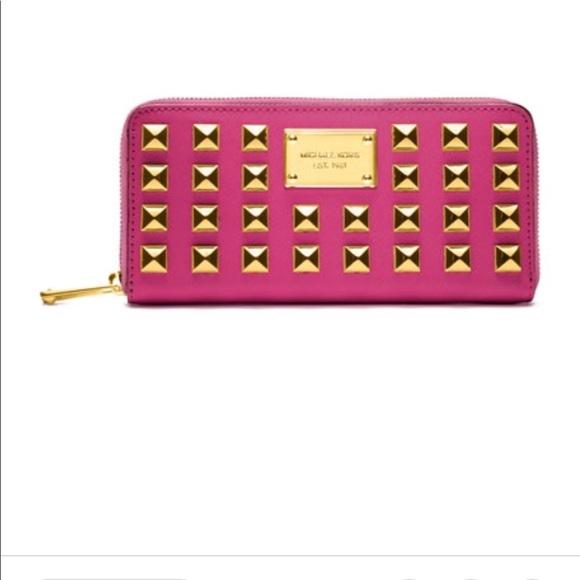 83be7e3e8a8c KORS Michael Kors Handbags - Michael Kors pyramid Stud Pink Wallet